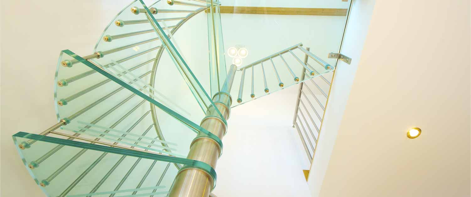 Bespoke-Glass-Spiral-Staircase